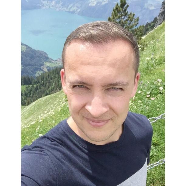 #me #taking a #walk in #Switzerland #sun #sweat #alps #mountains #summer with #friends #Lucerne #Luzern #Berge #Alpen #Schweiz #gay #men #Vierwaldstätter #See #hiking #Klingenstock #Fronalpstock  #hikingadventures #nature @axwieg @staenzii @bluerobot_ch @ypoxx @spagio 🇨🇭
