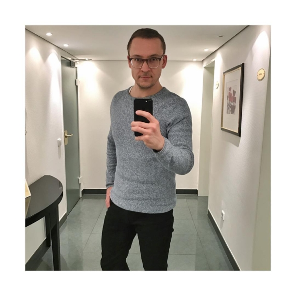 #mirror mirror on the wall 😏  #me #myself #selfie #work #guy #instagood #gay #gayguy #l4l #fun #dude #swag #business #instajob