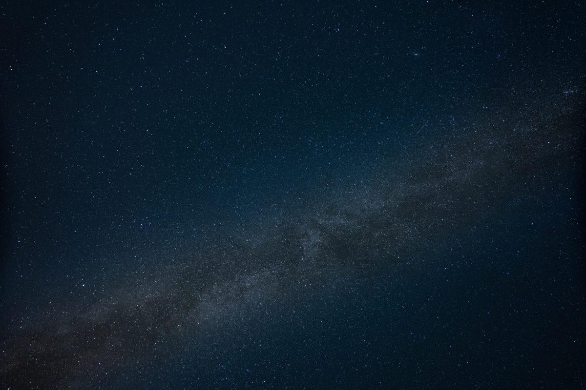 Milchstraße quer über dem Himmel