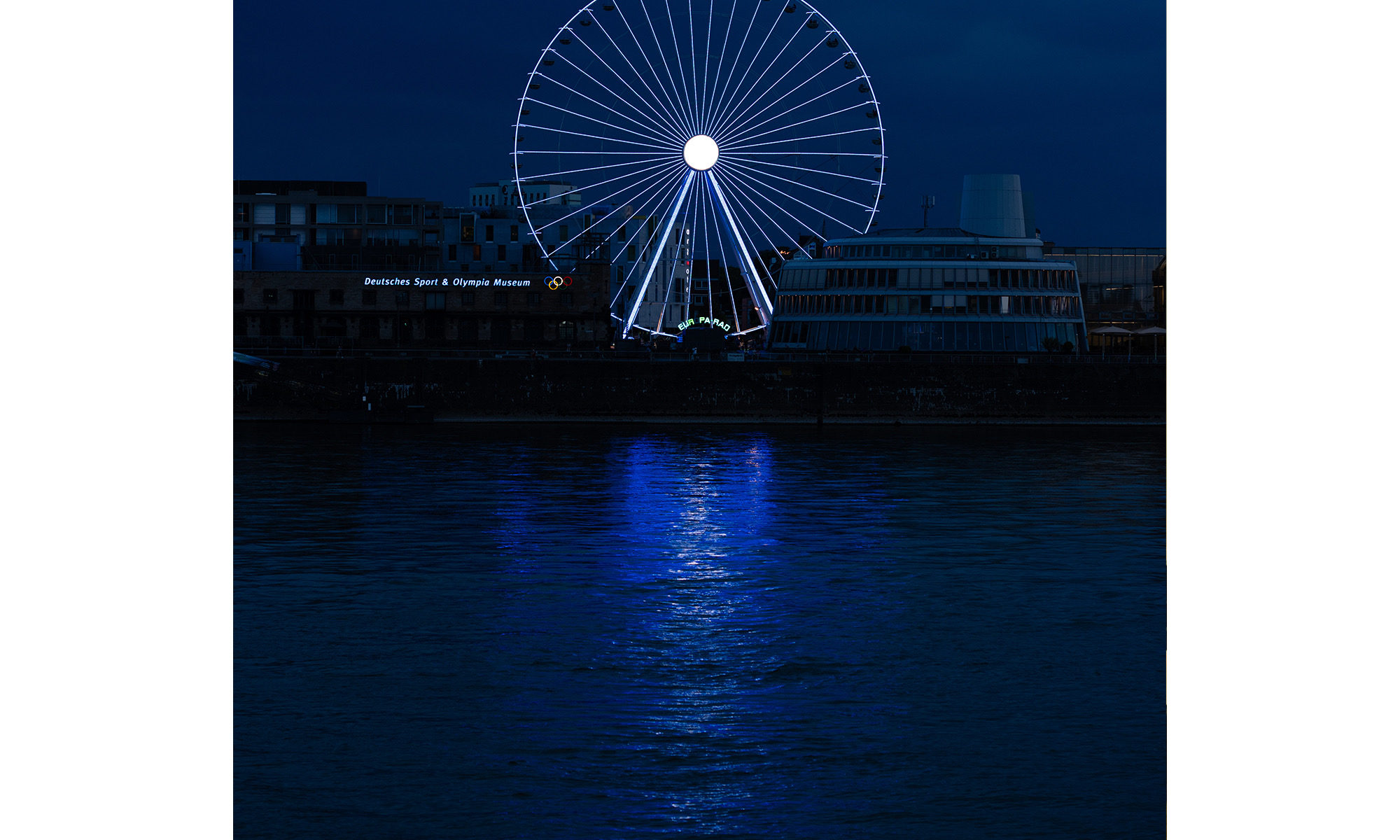 Riesenrad am Rhein in Köln